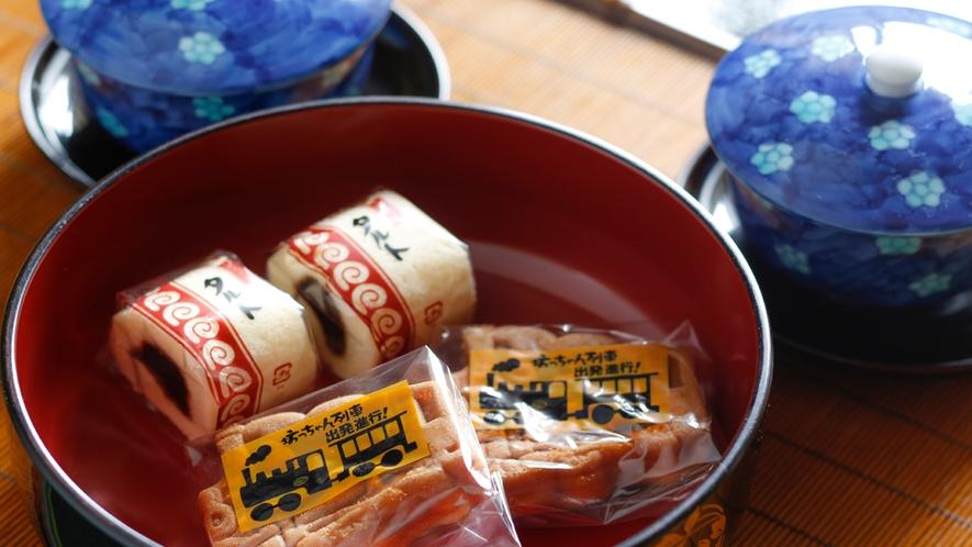 お部屋には松山銘菓をご用意しています♪