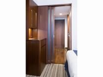【ダブル・ツインルーム】二重扉で防音対策も◎