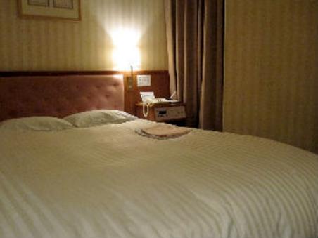 ★ダブル/喫煙★160cm幅広々ベッド♪全室デュベスタイル★