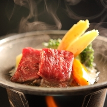 美味少量「雅プラン」厳選した上質な食材を使った特別会席 こちらは和牛陶板焼き