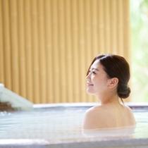 【山の湯】眺めの良い露天や蒸し風呂、洞窟風呂など