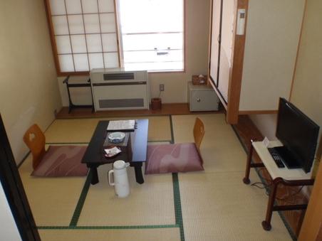 小さく落ち着いた雰囲気の和室6畳(洗浄機付トイレ・洗面所付)