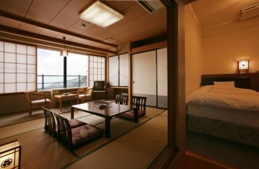 【禁煙】5階以上和室8畳ツインベッド(バス・洗浄機付トイレ)