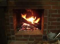 ラウンジの暖炉