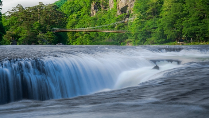 【東洋のナイアガラ】「吹割の滝」を見て仙郷に泊まろう!プラン