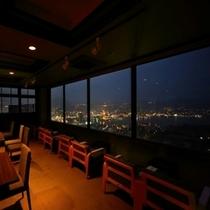館内からは夜景をお楽しみいただけます