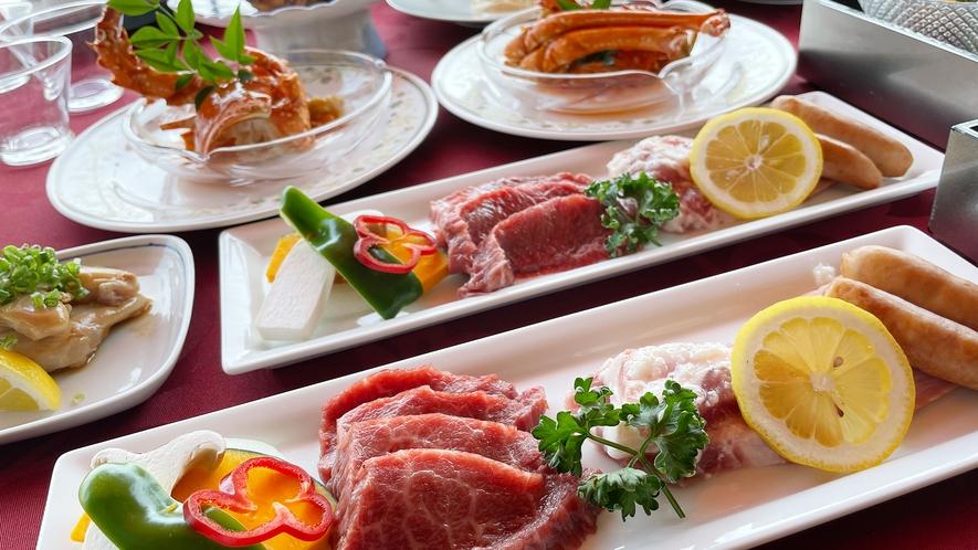 【夏季BBQテラス】お肉メインのBBQ料理(コンロ利用)と地元の豪華海の幸を楽しめる特別メニュー。