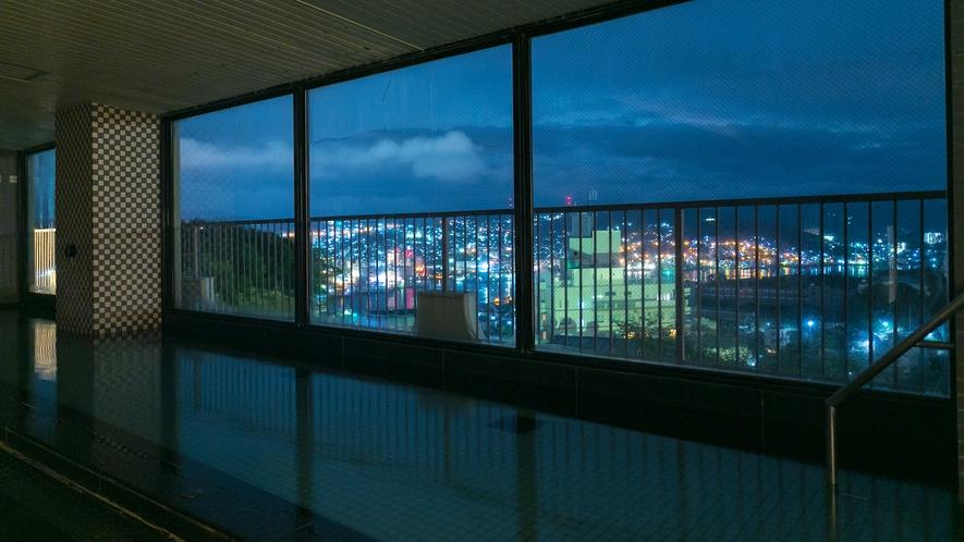 窓の外に広がる景観を楽しみながら、ゆったりと心も体もリフレッシュしてください。