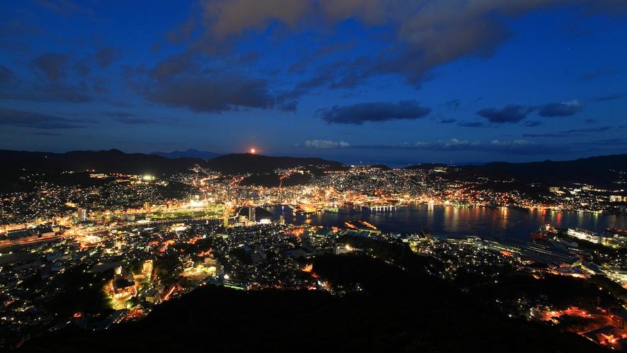 日本三大夜景の一つ長崎の美しい夜景