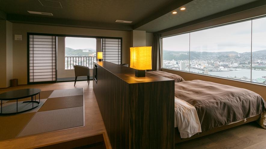 【最上階】ハーバービュープレミアルームのベッドルームと畳のお部屋