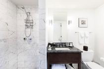 デラックス 2ベッドルーム オーシャンビュースイート バスルーム 一例