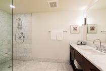 プレミアム 2ベッドルーム プラス デン プライムオーシャンビュースイート バスルーム 一例