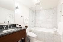 スーペリアルーム パーシャルオーシャンビュー バスルーム 一例