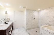 デラックス 1ベッドルーム パーシャルオーシャンビュー バスルーム 一例