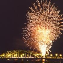 【旭川夏祭り】夏の夜空を彩る「道新納涼花火大会」で幕を開ける旭川の一大イベント