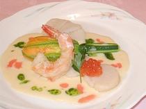 ズッキーニのファルシーと海の幸※料理は一例です※