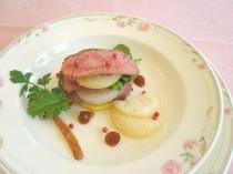 短角牛のミルフィーユ※料理は一例です※