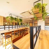 朝食会場はスタイリッシュにリニューアル♪まるでおしゃれなカフェのようです!