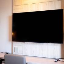 テレビが50インチになりました!!夜のひと時にぜひルームシアターをご利用ください!!