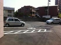 駐車場(正面玄関側)
