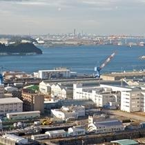 ビストロ・ブルゴーニュから見た港