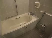 ファミリールーム浴室