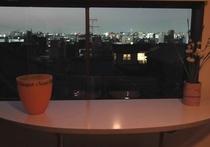 3階窓からの夜景