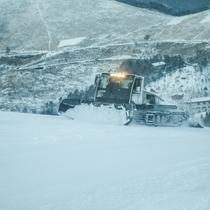 ナイター前の圧雪整備