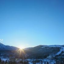 蓼科山と朝陽