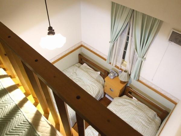 ロフト付き3人部屋パートII