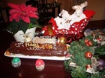 クリスマスの日のブッシュ・ド・ノエルは、甘さ控え目木の実入り★・。・