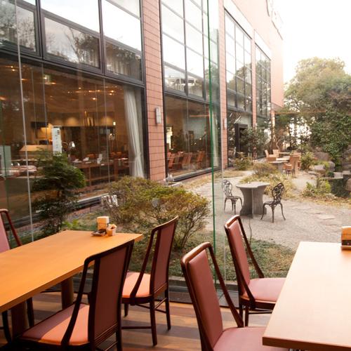 レストラン「瀬戸の花」から日本庭園
