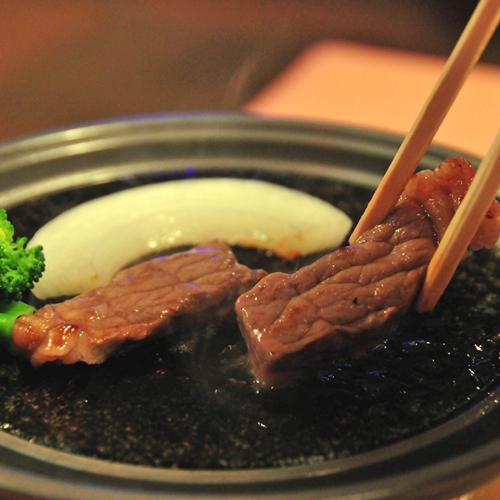 夕食一例(陶板焼き)