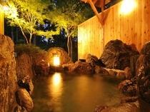お部屋毎に貸切、離れの温泉露天風呂