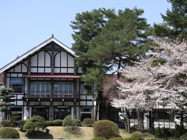 ホテルと春