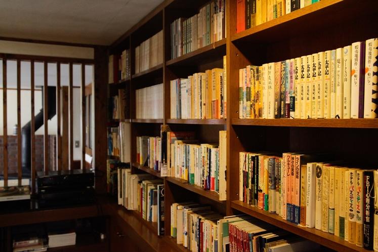 【ライブラリー】リンデンに併設されている図書スペース
