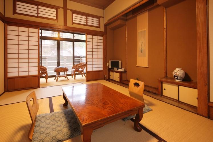 【和室6帖一例】2名様までご利用いただける和室です。お部屋は2階になります。
