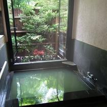 リニューアルした各室の内風呂