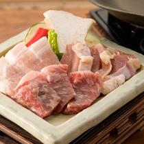 【お肉三種盛り】 「味彩牛(牛)・阿蘇豚ロース(豚)・天草大王(鶏)」で食べごたえ満点!