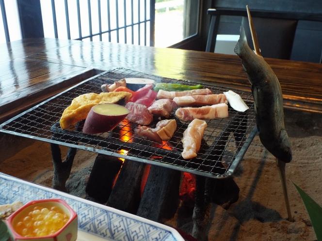 囲炉裏炭火焼きプラン