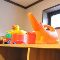 *【脱衣場】お子様が喜ぶ、お風呂のおもちゃもたくさんご用意しています♪