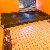 佐渡島内の宿泊施設では初!「佐渡海洋深層水風呂」です。