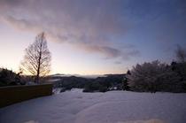 冬の朝 雲海と雪のコラボ