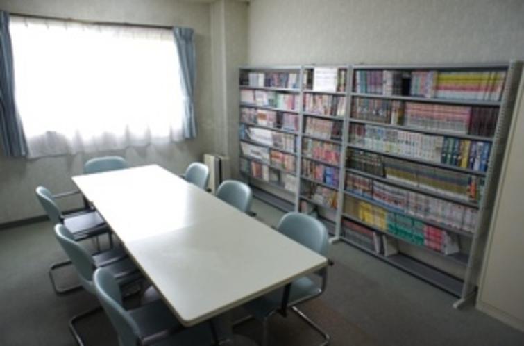 【談話室】多目的室を設けております。ご家族との語らいやミーティングなど、ご自由にお使い下さい♪