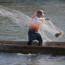 【周辺】鮭漁 秋