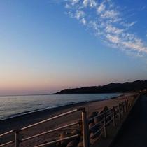 【周辺】防波堤からの景色