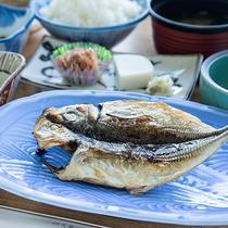 *【朝食一例】富士山望む島散歩をしたあとは、 一層美味しくお召し上がりいただけます。
