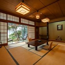 *【湘南海岸ビュー和室次の間付き】窓を開け放てば、漣と海鳥の歌が聞こえてきます。