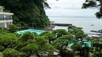 *【夏限定】正面に富士山を眺めながらプールを満喫下さい(天候によって富士山が見えない場合もあります)