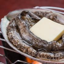 *【別注料理】:鮑のバター焼き